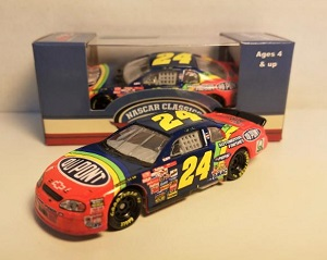 Jeff Gordon  #24 1/64th 2017 Lionel 1997 Dupont Daytona Win Raced version Monte Carlo