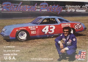 Richard Petty #43 1/25th  1979 STP Oldsmobile 442 1979 winner plastic model kit