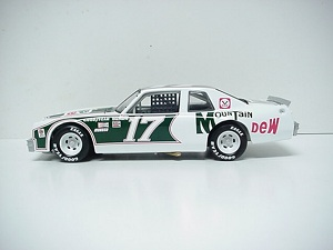 Darrell Waltrip #171/24th 2012 Lionel Mountain Dew 1982 Pontiac Ventura