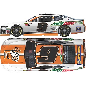 Chase Elliott #9 1/24th 2018 Lionel Mountain Dew Little Caesars Camaro