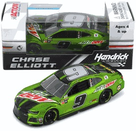 Chase Elliott  #9 1/64th 2018 Lionel Mountain Dew Camaro