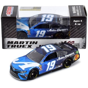 Martin Truex Jr #19 1/64th 2019 Lionel Auto Owners Insurance Toyota Camry