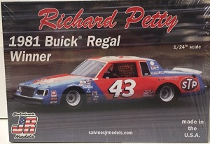 Richard Petty #43 STP 1981 Buick Regal race winner Salvinos JR Model kit